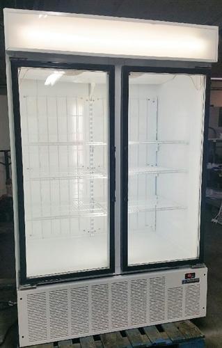 Walk In Coolers >> 2 Door Master-Bilt, Self-Contained, Digital Thermostat ...